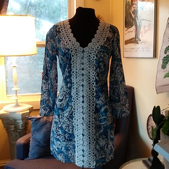 Lilly Pulitzer bell sleeve shift dress sz S